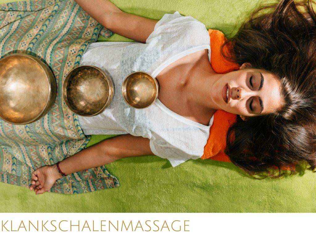 Geniet van een helende klankschalenmassage... gekleed op massagetafel... Vind ontspanning en ervaar weer balans in jezelf dankzij de trillingen van de klankschalen...