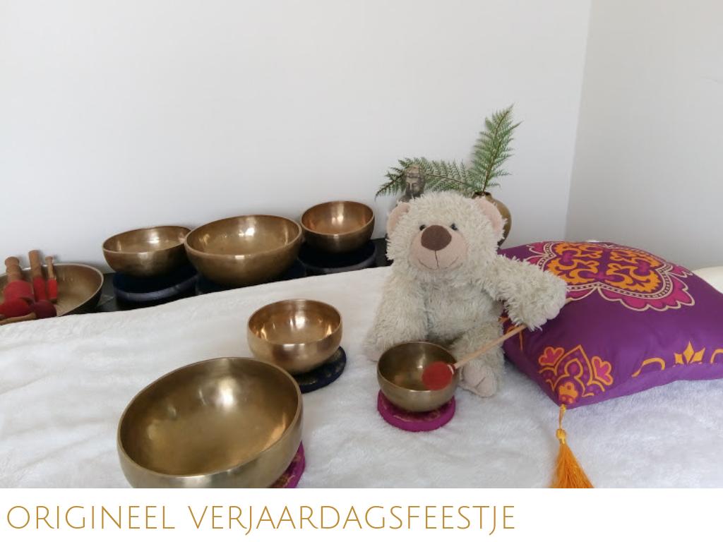 Bijzonder verjaardagsfeestje? Eerst lekker spelen met Tibetaanse klankschalen, dan samen tot rust komen. Leer elkaar klankmassages te geven. Incl. diploma voor kids.